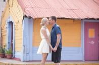 Couple kissing on Isla Mujeres